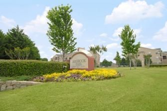 Arbrookpark Ft Worth Tx Arbrook Park Offers 1 Bedroom To 3 Bedroom Units Rent Starts At 854 00 Arlington Apartments Fort Worth Apartments Brook Park