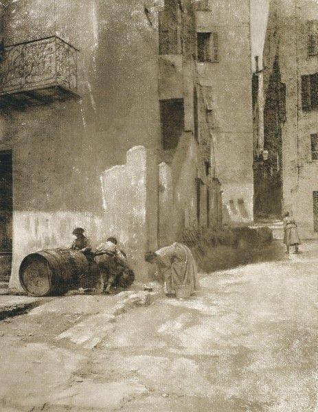 Troisième Exposition d'Art Photographique - 1896. Photographer: Robert Demachy Title: Coin de rue, à Menton