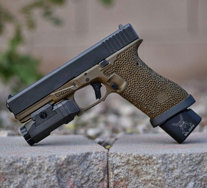 Amazing Job: Amazing Stipple Job On A Glock 17