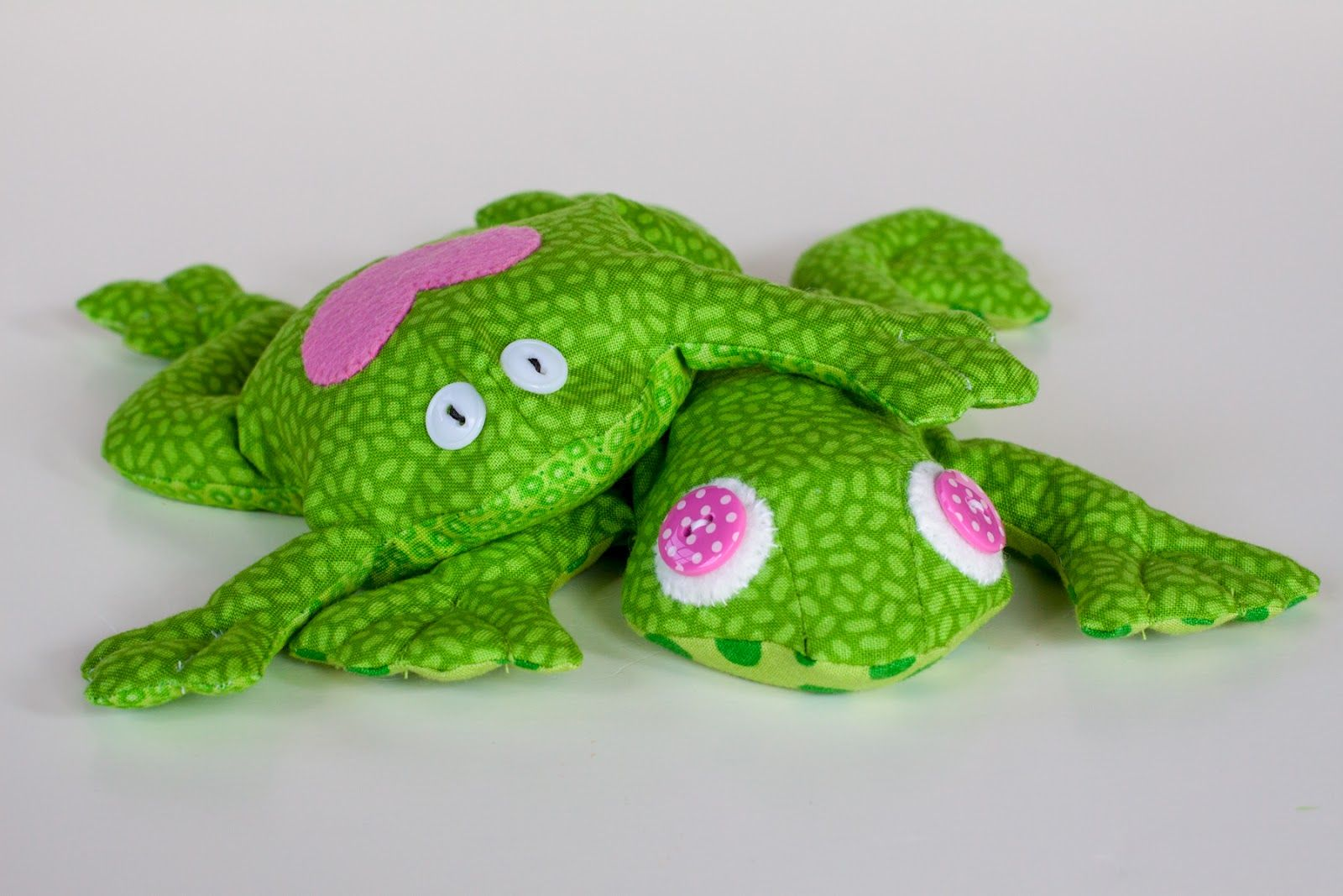 Free Frog Sewing Patterns | July 29 - New frog design + more bean ...