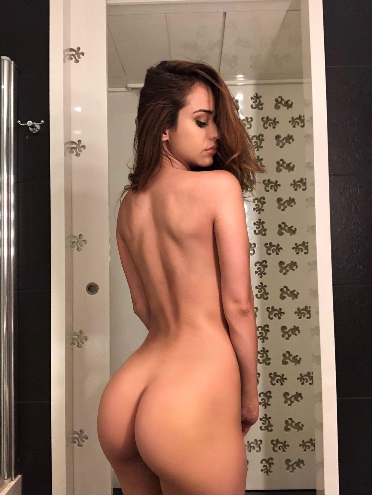 Sexy naked adeles garcia