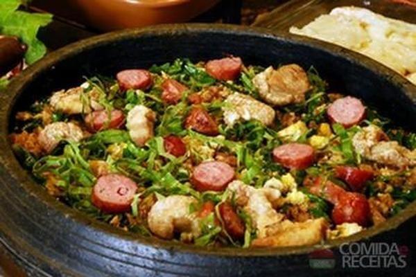 Receita de Feijão tropeiro mineiro em Legumes e verduras, veja essa e outras receitas aqui!