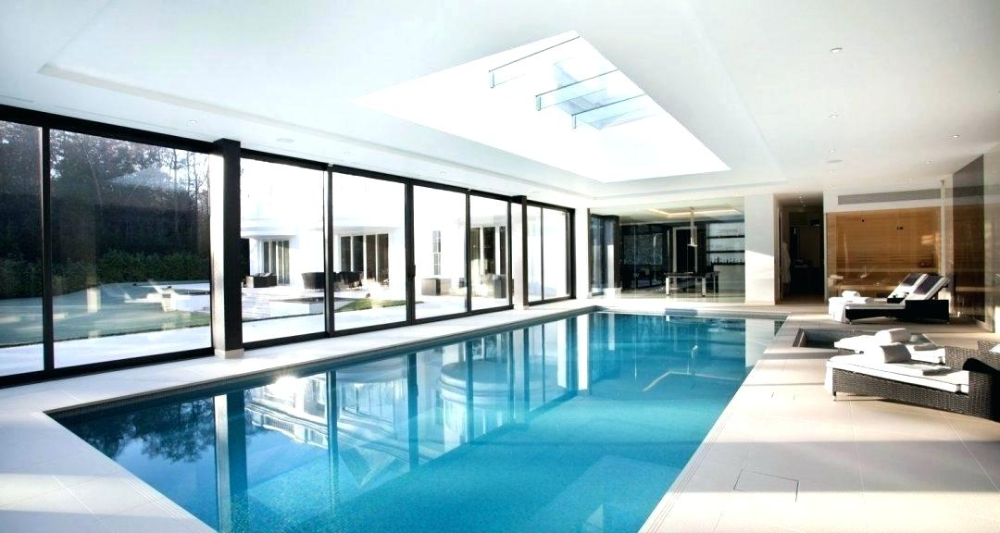 Small Pool Inside House Modern House With Pool Inside U Shaped House Plans With Pool Central Courtyard Small Indoo Binnenzwembaden Binnenzwembad Huis Interieur