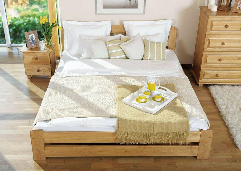 Ein Massivholzbett Sieht Sehr Gut Aus Dieses Bett Verbessert Die Atmosphare Im Schlafzimmer Es Sorgt Auch Fur Eine Optimale L Holzbett Bett Ideen Bettgestell