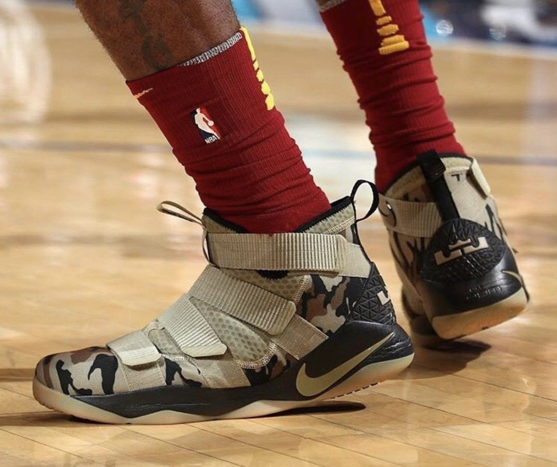 buy online 8a8fd 9888b King James Debuts Nike LeBron Soldier 11
