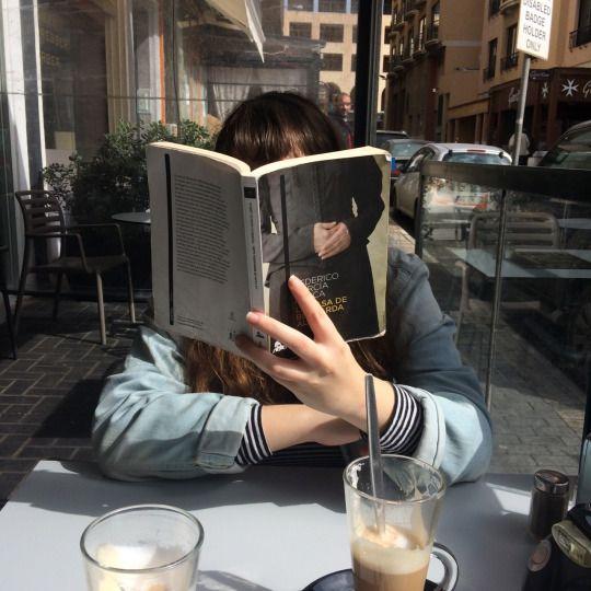 Resultado de imagen para reading a book aesthetic