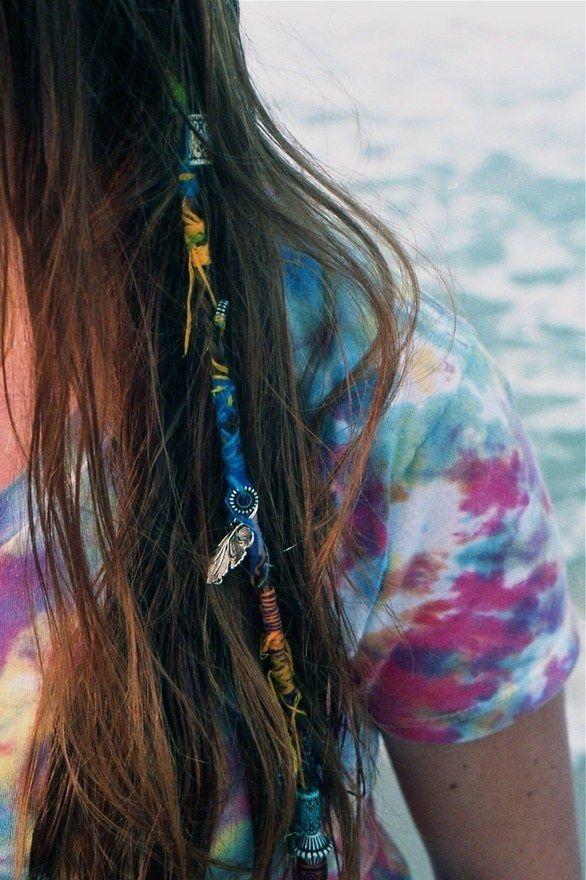 Mit Perlen Oder Bändern Verzierte Haarsträhnen Style Pinterest