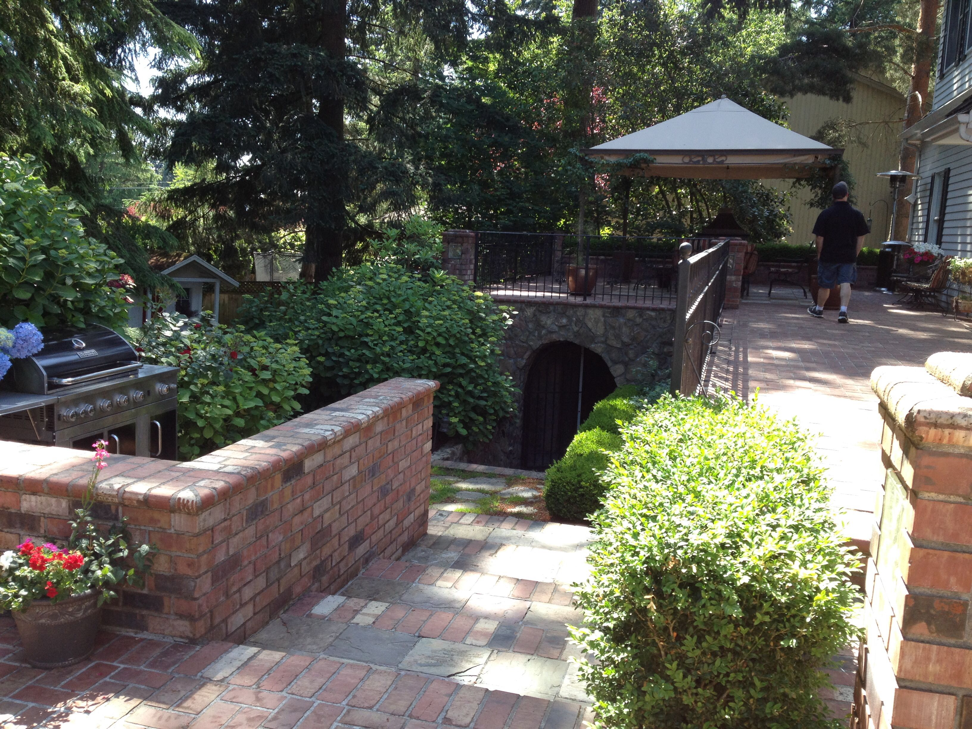 Amazing Washington Home. Wine Cellar On Backyard (With