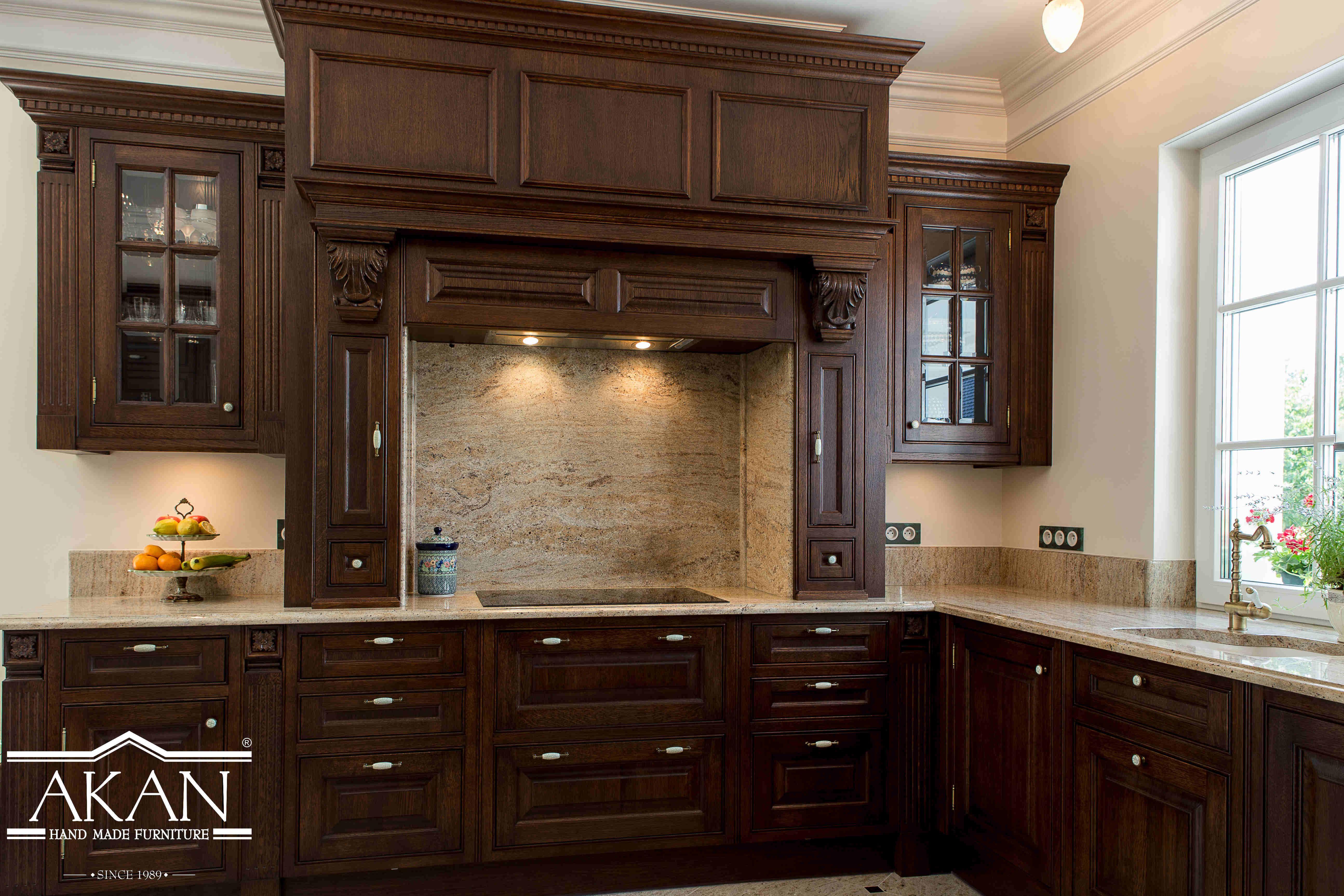 Ciemne Meble W Kuchni Jak Je Zestawiac 6 Pomyslow Kuchnie Zdjecia Home Home Decor Kitchen