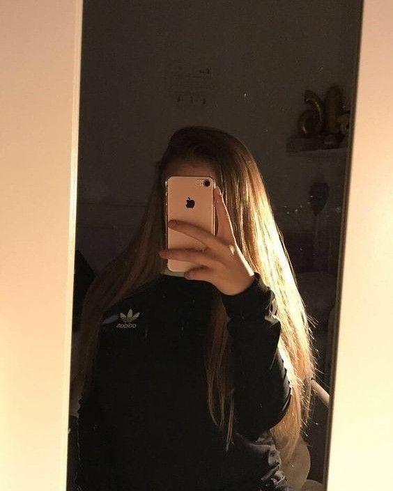 Pin Von Lele Auf Instagram Blonde Madchen Spiegel Selfie Instagram Ideen