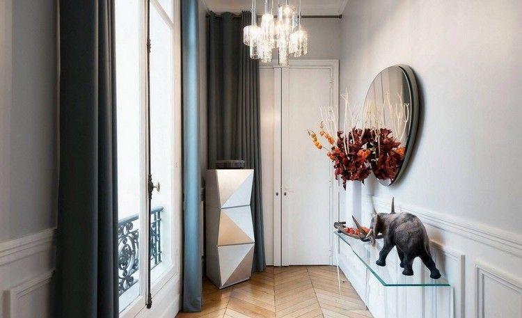 idée déco entrée maison avec miroir design, sculpture du0027éléphant