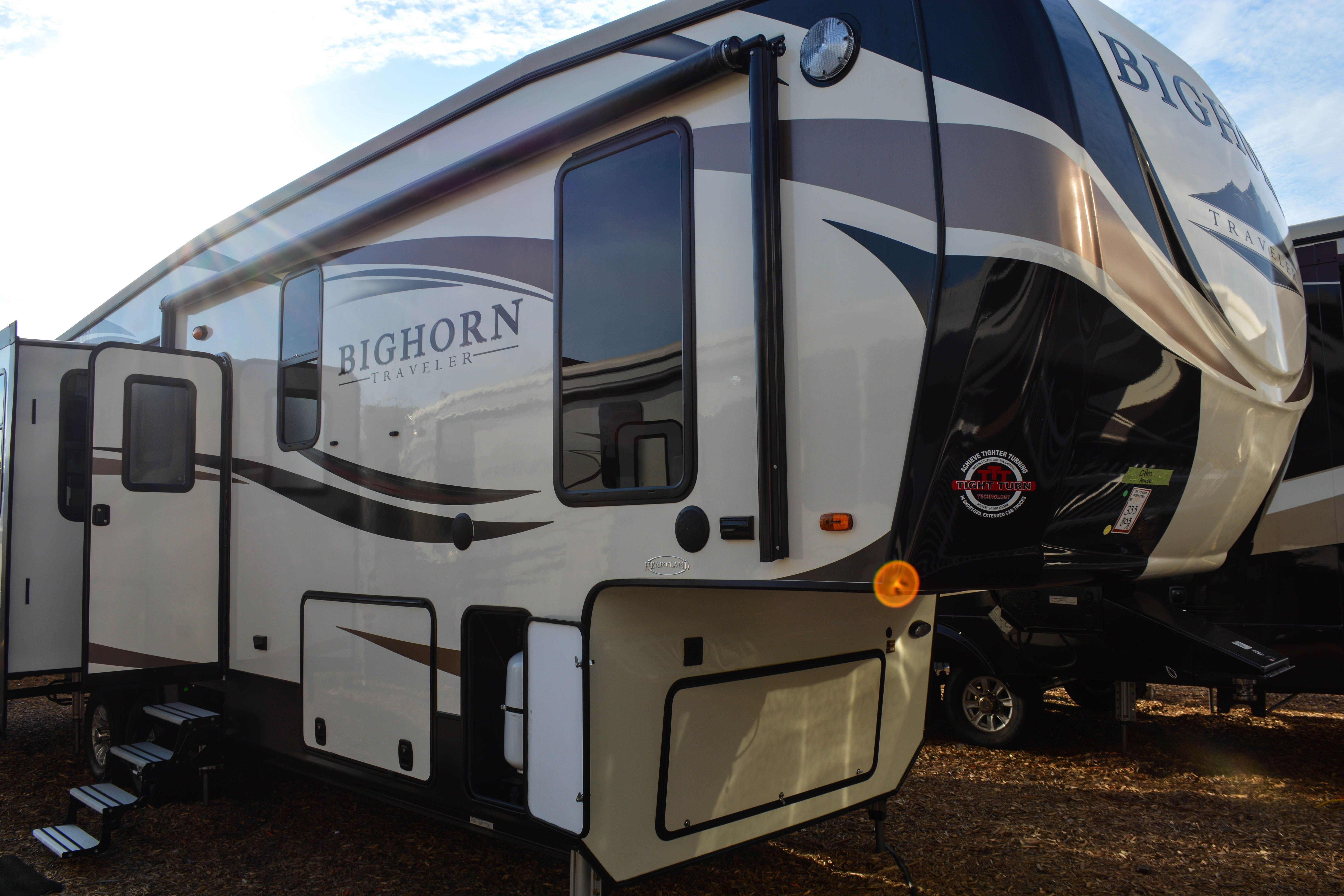 Discover Scenic Rv Destinations In The Bighorn Traveler Popular Options Include 12 Cu Ft Gas Electr Toy Hauler Travel Trailer Rv Destination Travel Trailer
