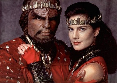 Star Trek: Deep Space Nine - terry-farrell Photo Warf and his bride.