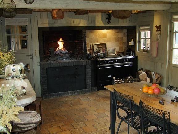 cuisine maison normande neuve by les compagnons d 39 ovraigne maisons pans de bois pinterest. Black Bedroom Furniture Sets. Home Design Ideas