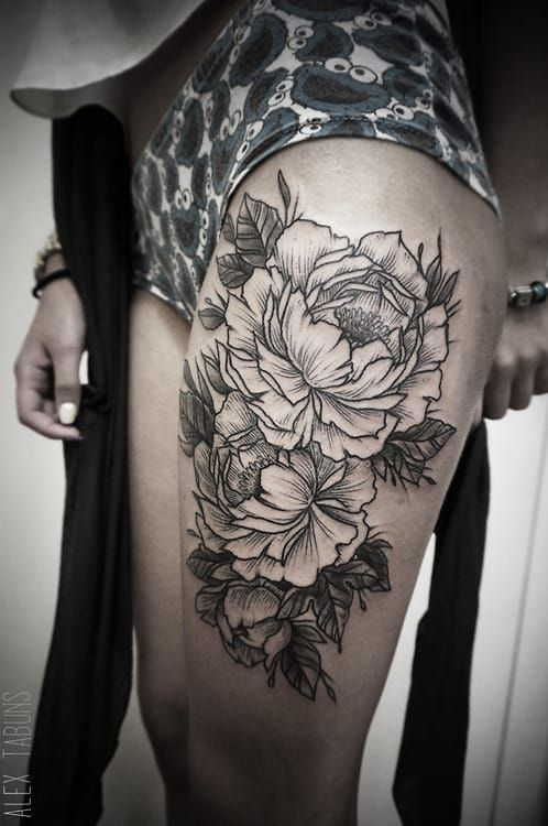 581bff11331b2 10 Black & Beautiful Peony Tattoos | Tattoodo.com | gimme ink ...