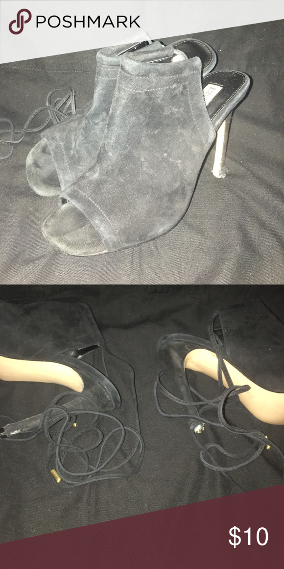 Steve Madden heels Used Steve Madden heels with wrap around ankle. Not sure  what happened to the heels but if taken to a shoe repair it could be fixed.