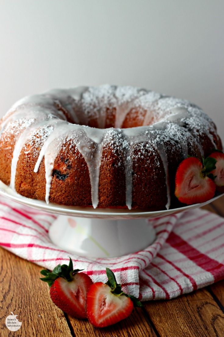 Easy Strawberry Bundt Cake
