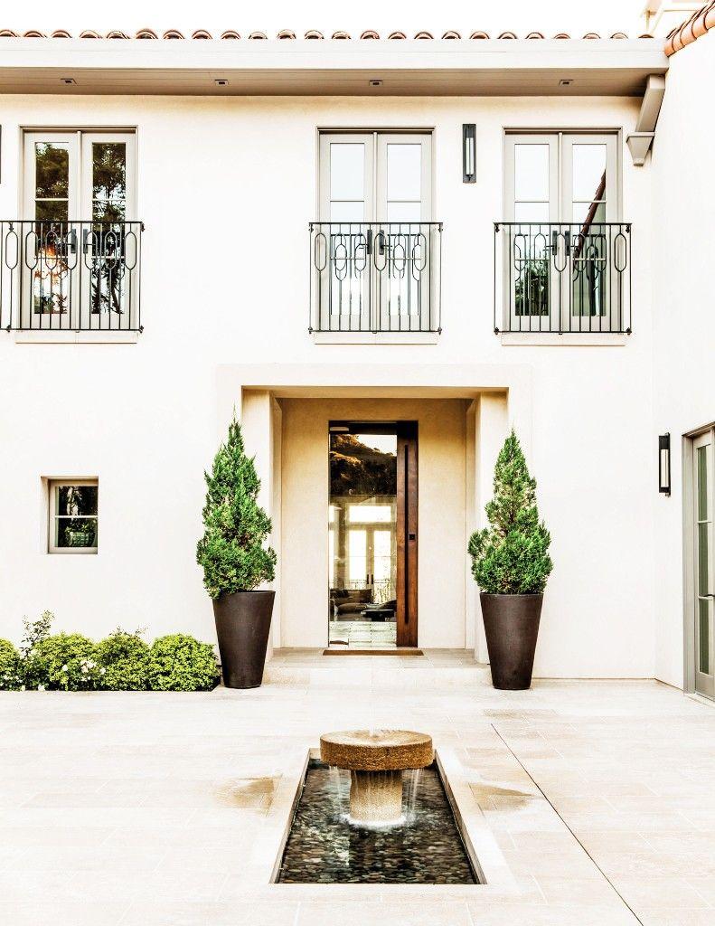 Step Inside This Modern Mediterranean Villa | Pinterest | Villas ...