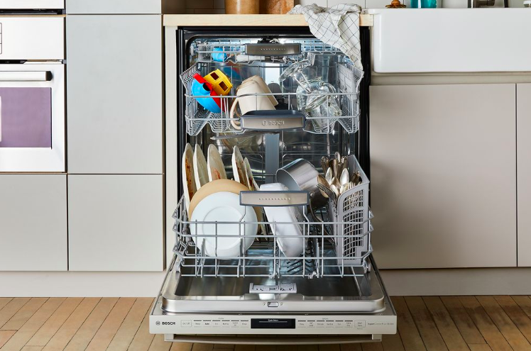15 Things You Should Never Ever Put In The Dishwasher