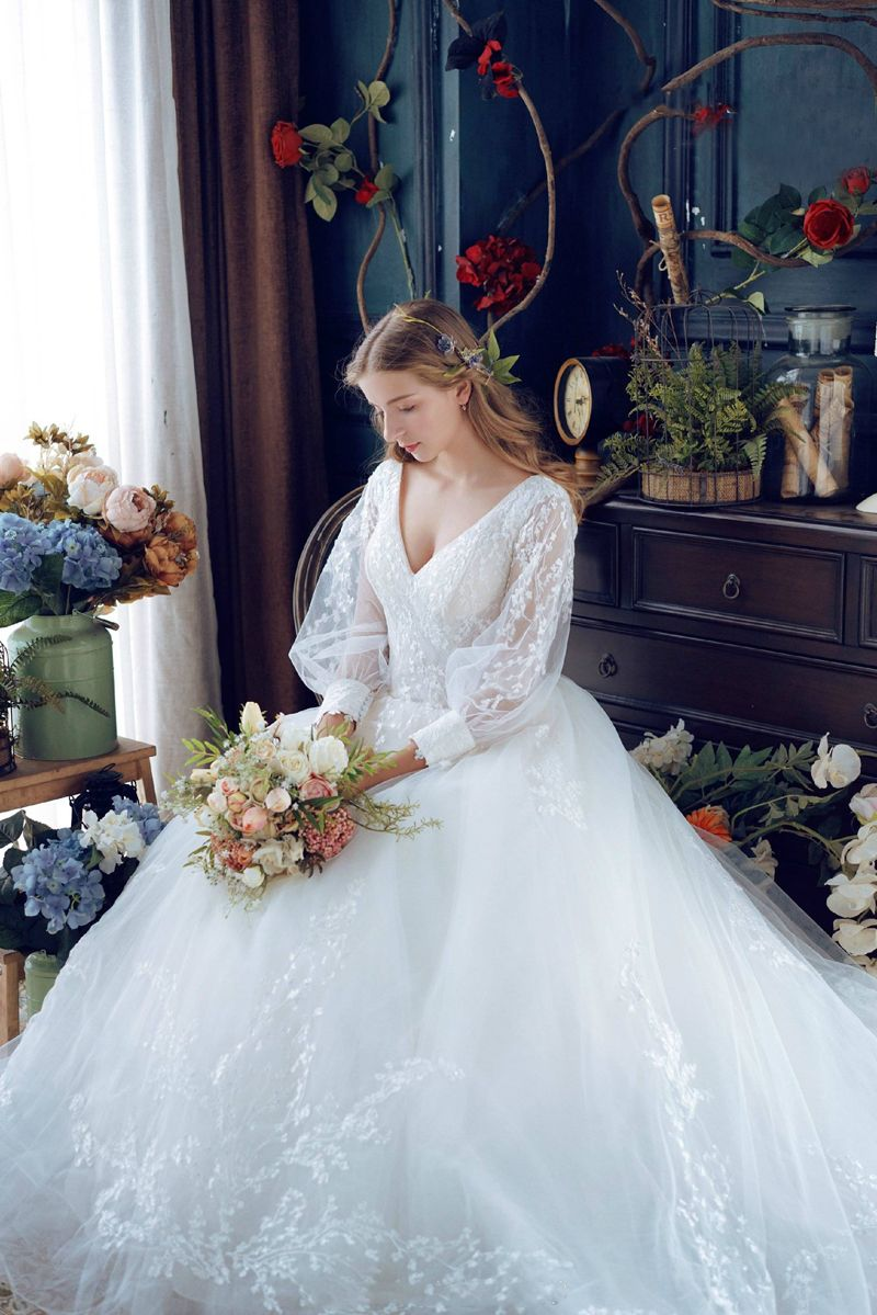 18 Vintage Inspired Puff Sleeve Wedding Dresses That Make A Timeless Statement Victorian Wedding Dress Wedding Dress Suit Wedding Dress Long Sleeve [ 1199 x 800 Pixel ]
