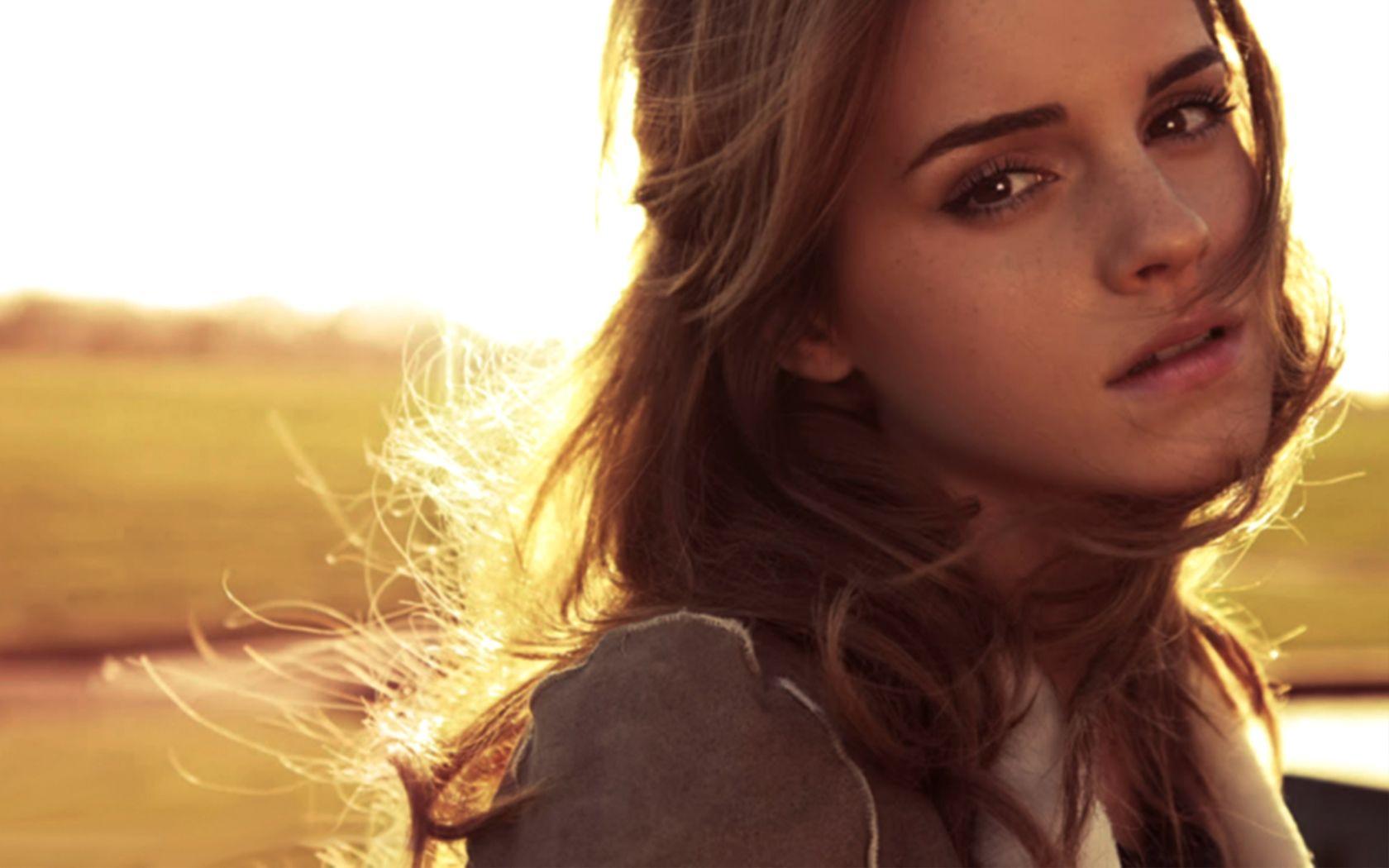 Emma Watson Wallpapers Free Download HD Hot Beautiful