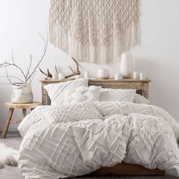 Linen House Sanura White Quilt Cover Set Bedding Bed Linen Ever So Soft And Super Inviting Sanura Is This Seaso White Quilt Cover White Duvet Duvet Bedding
