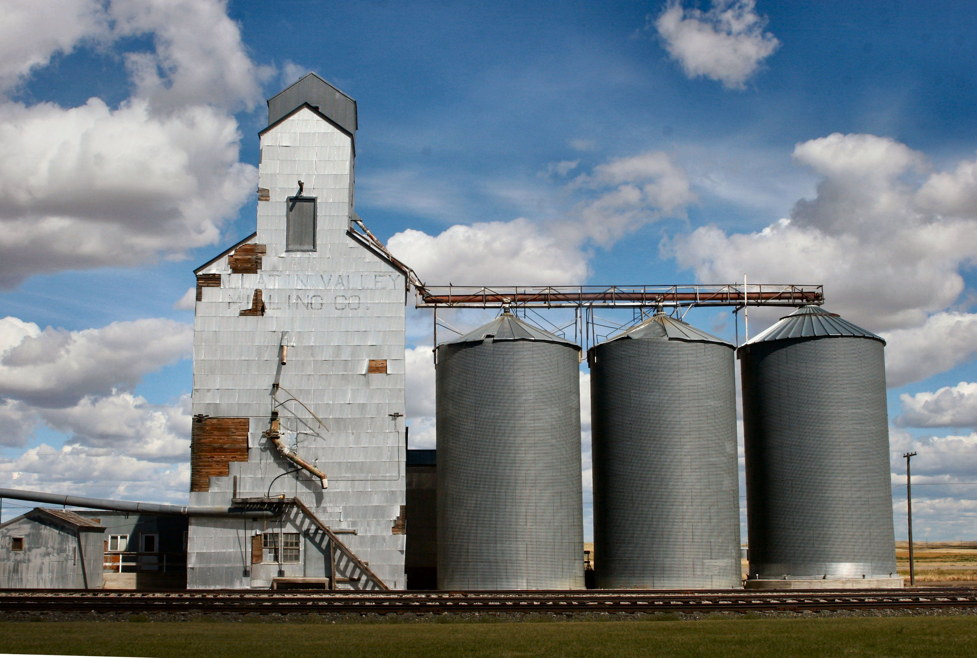 Pin By Tom Bzz On Grain Elevators And Barns Montana Skies Old