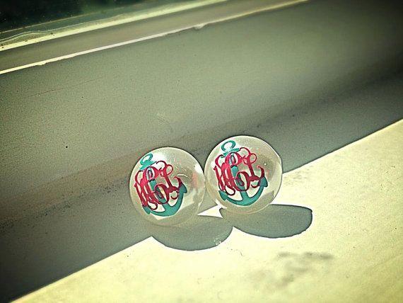 Monogrammed Pearl Earrings Monogram By Bushelandapeckboutiq With Images Monogrammed Pearls Monogrammed Pearl Earrings Monogram Earrings