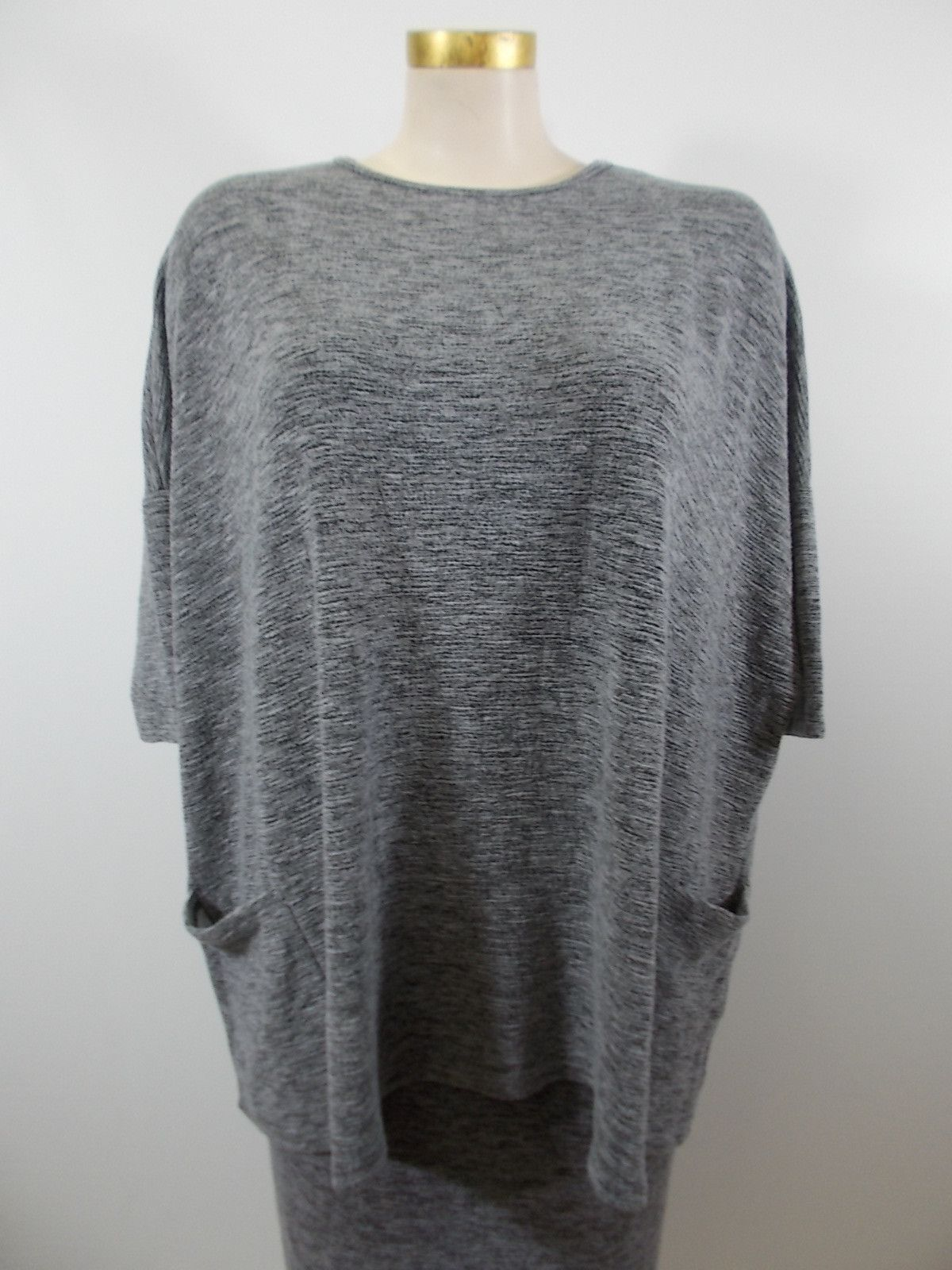 Cut loose drizzle crimped fabric pocket pullover products