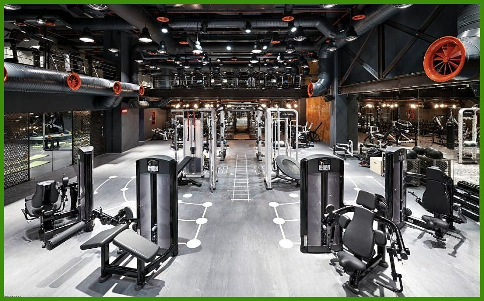 Mooi Sports Clubbing Tap The Pin Even If You Love Superheroes Cause Guess W Gym Facilities Gym Design Gym Interior
