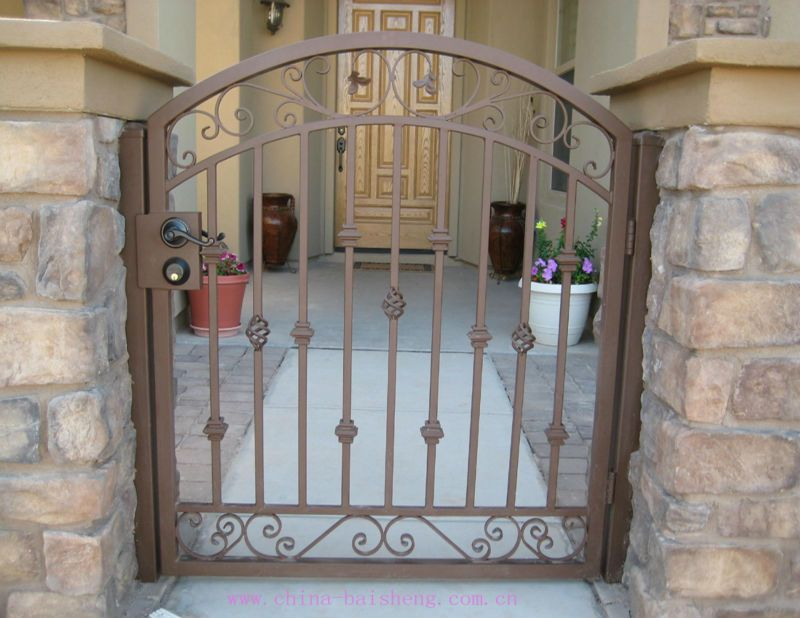 Modern Metal Gates Google Search Iron Garden Gates Iron Gate Design House Front Gate