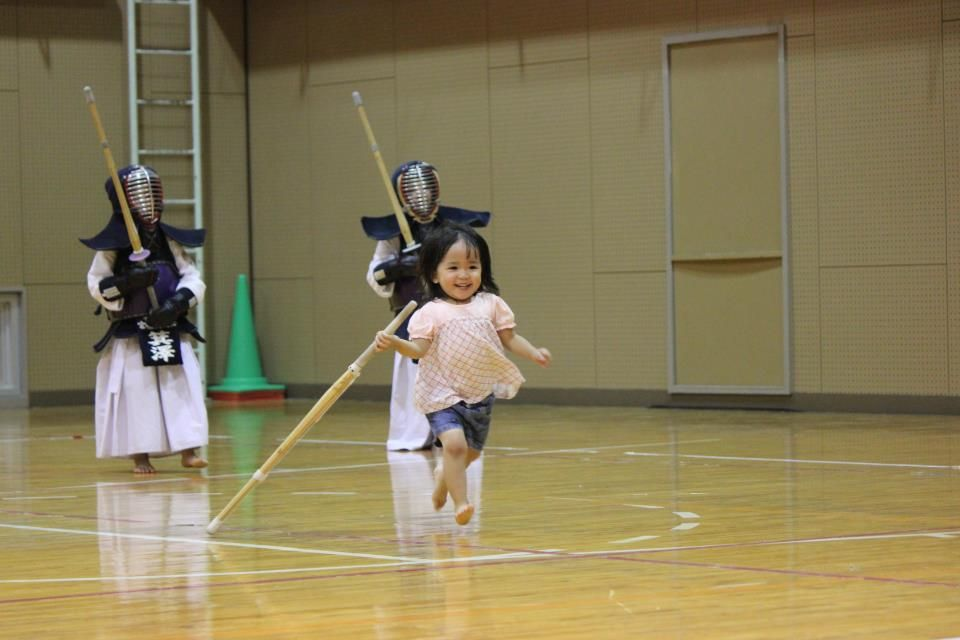 Ok, ok i have i weak spot for little children with bogus/shinais i confess =D