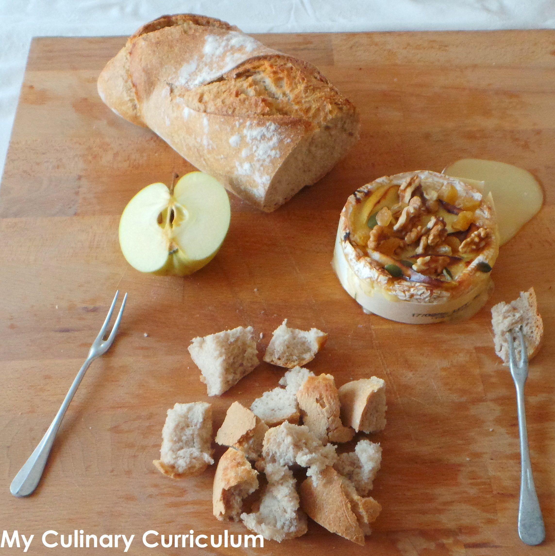 Camembert Roti Au Four Aux Pommes Miel Et Melange De Raisins Et
