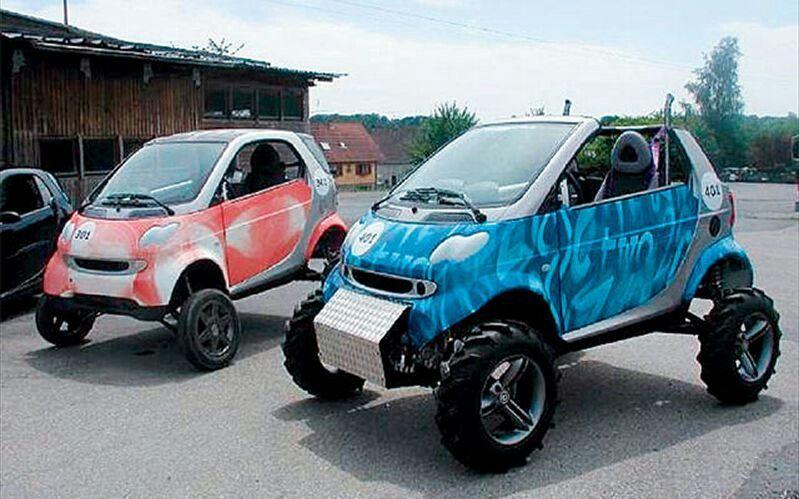 this blue smart car