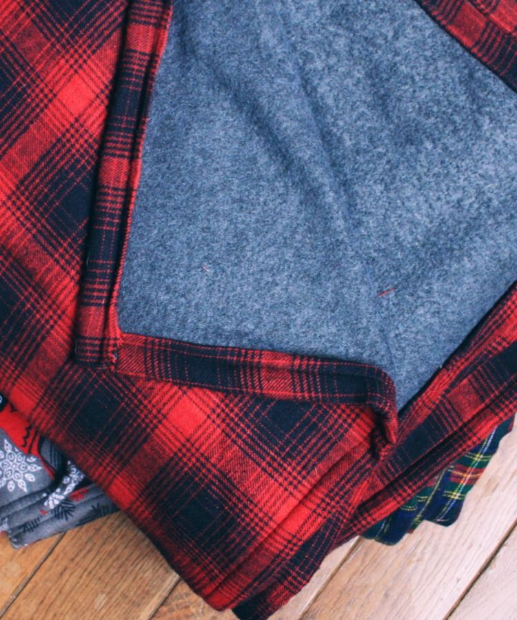 DIY flannel and fleece throw for men …  9a97dde3f