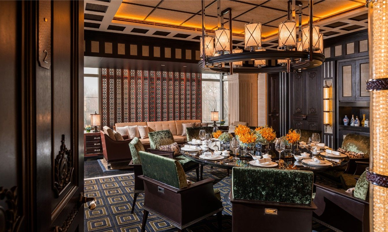 Classy And Deluxe Traditional Chinese Dining Room Decor Designs