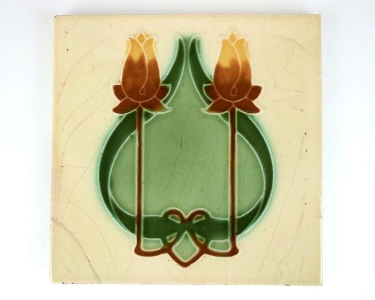 1900er Jahre Rhodes Tile Co Jugendstil gelbe und bernsteinfarbene Tulpe Keramikfliese Antike 1900er Jahre Rhodes Tile Co Jugendstil gelbe und bernsteinfarbene Tulpe Keram...