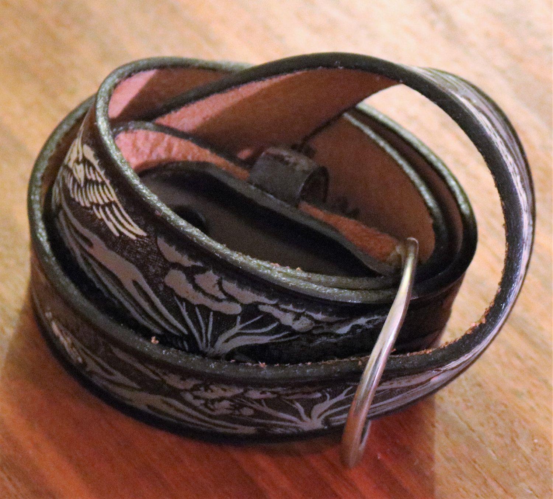 6ffe05c3a Vintage New Black Leather Belt w/ White Eagle Design Size 36 by  HoardersBazaar on Etsy