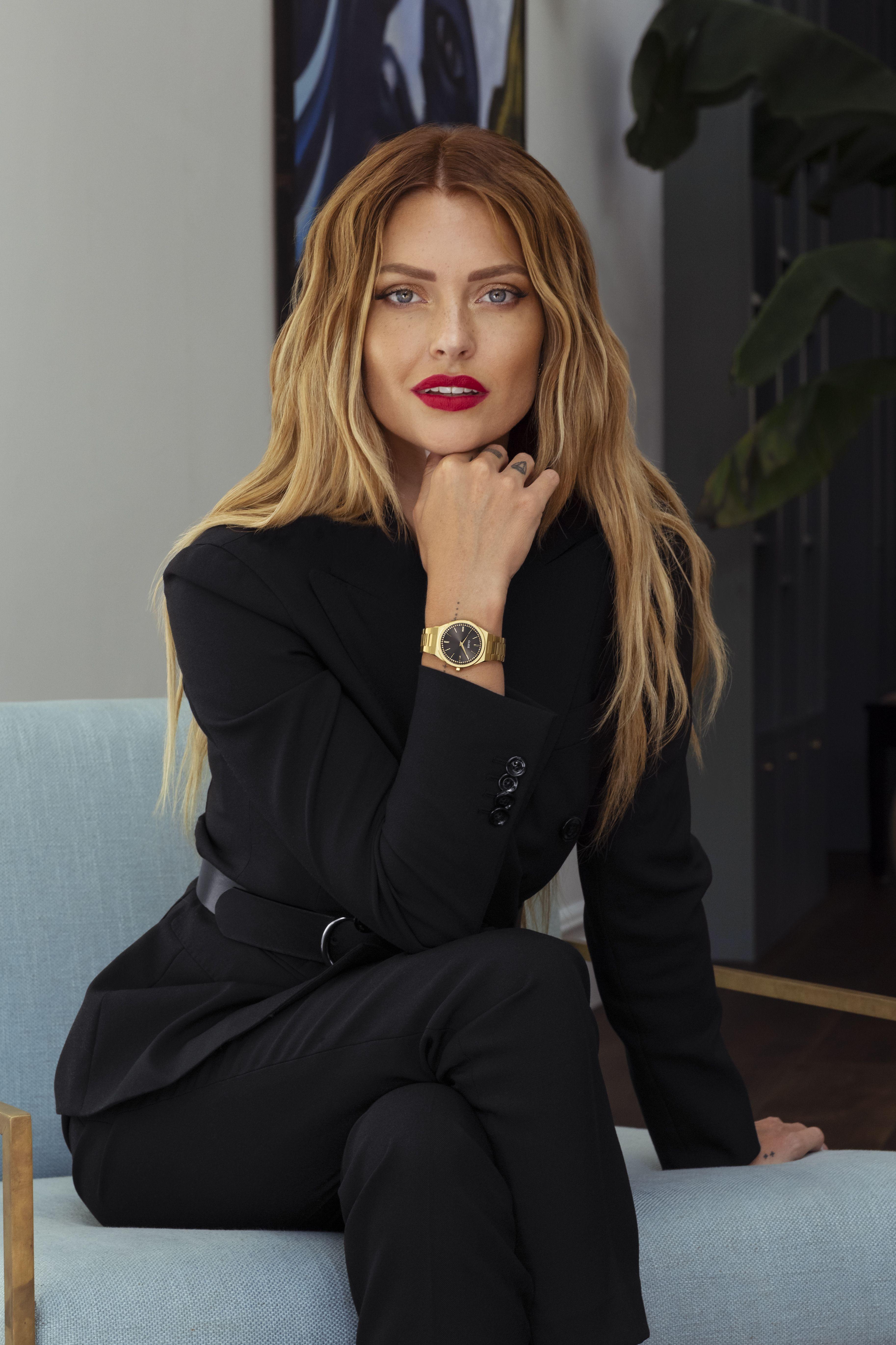 Montre Cluse Caroline Receveur : montre, cluse, caroline, receveur, Cluse, #womenswatches, #watch, #ootd, #watchesforwomen, #carolinereceveur, #style, #oufitsforwork, #outfitforoffice, #styl…, Parisienne, Style,, Fashion,, Caroline, Flack