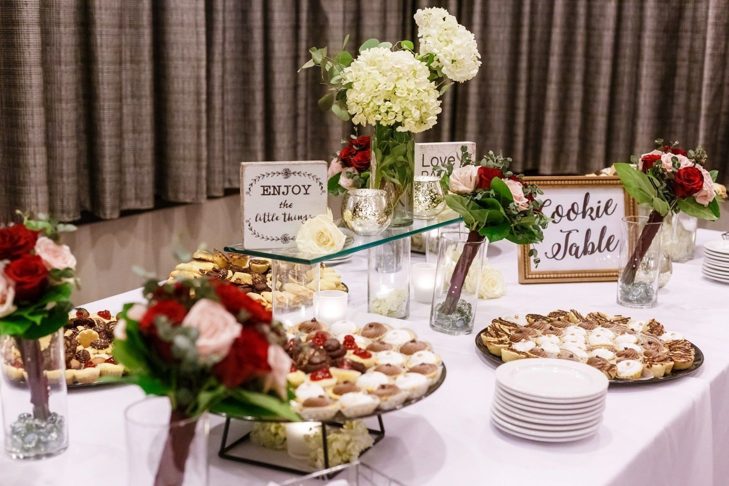 Pittsburgh Airport Marriott Wedding Coraopolis Pa Photographer Fairytale Pittsb Pittsburgh Wedding Cookie Table Delicious Family Meals Pittsburgh Weddings