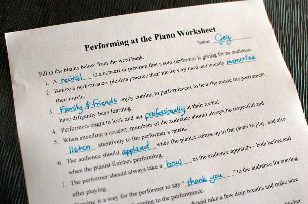 A fill-in-the-blank worksheet for piano students and parents to learn about piano recital etiquette