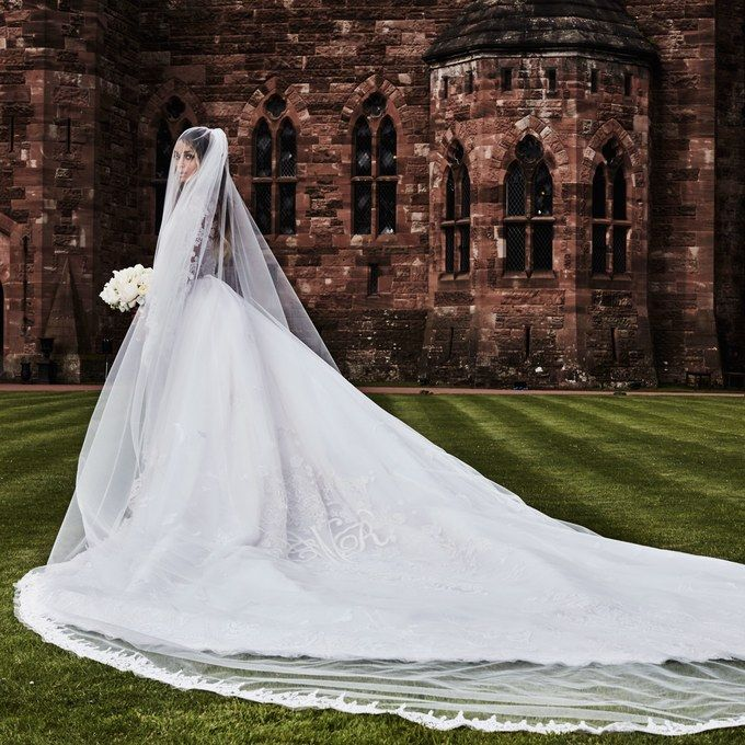 Ciara Wedding Dress Designer Peter Dundas Goes Behind The Scenes Celebrity Bride Wedding Dresses Wedding