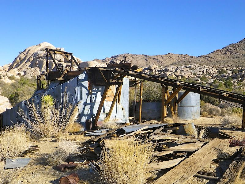 Wall Street Mill, an old gold mining facility, at Joshua Tree National Park. When I reached this site the other day (7/8/12), the thermometer registered a searing 107 degrees Fahrenheit. http://3.bp.blogspot.com/-wmlbgEPxUjs/TzF0M3F5C9I/AAAAAAAAEvs/sQ2xri72rLI/s1600/IMGP6483.JPG