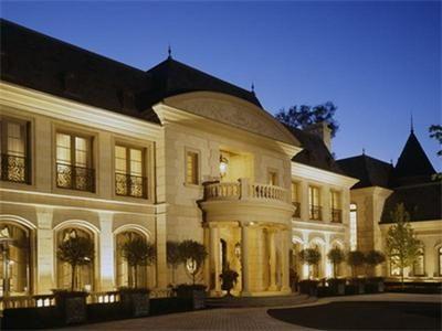 Chateau.   Casas de luxo, Casas, Arquitetura e decoração