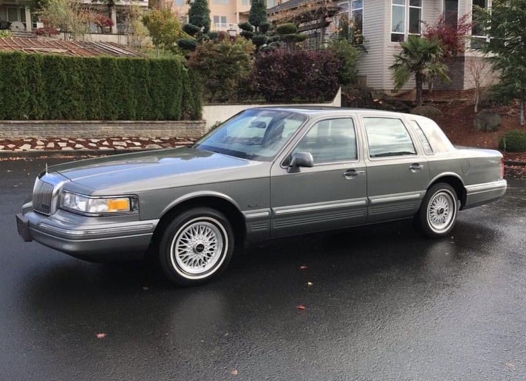 Lincolnmotorcar Showcase Badwf On Instagram 1997 Lincoln Town Car Signature Series Lincoln Towncar 1997 Lincoln Town Car Lincoln Town Car Lincoln Cars