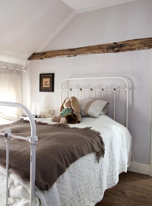 Best 40 Vintage Iron Beds Simple Bed Pretty Bedroom Cheap 400 x 300