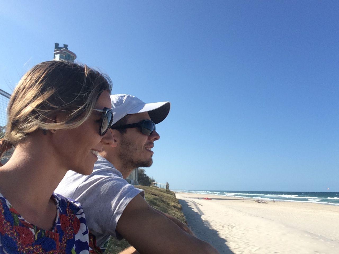 Tem como curtir a praia após o trabalho. Gravamos o VI Episódio do programa #WithLoveFashion e encerramos com um momento de prazer merecido. #YouTube #Fashion #ViajandoNoMundoENaModa #Travel #BrasileirosnaAustralia #Work #beach #Australia #GoldCoast #AussieLife