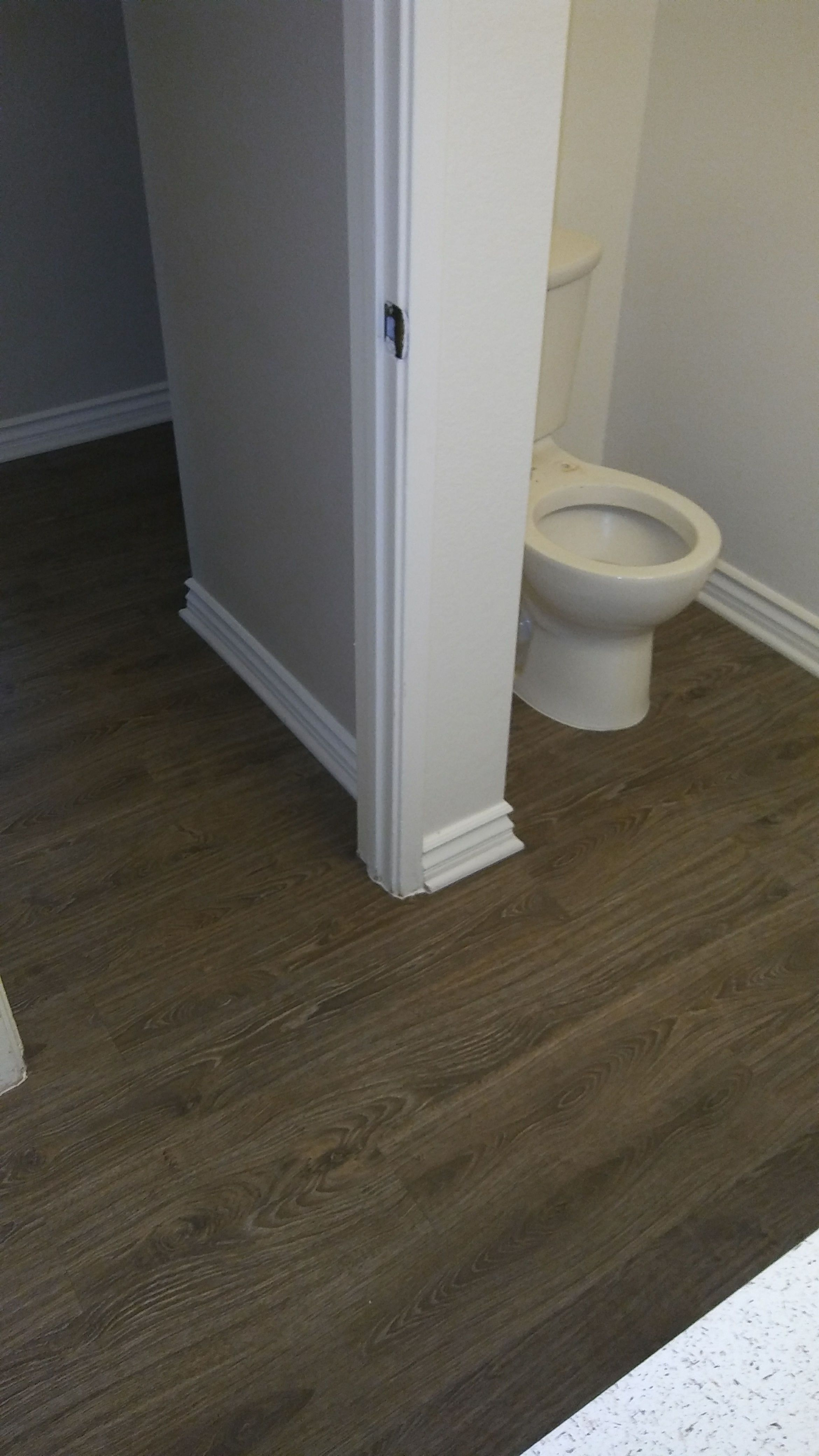 Plank Vinyl floors have a natural wood look and it's easy
