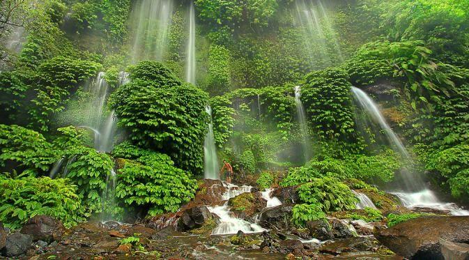 Benang Kelambu Pesona Air Terjun Di Lereng Gunung Rinjani Air Terjun Kelambu Pesona