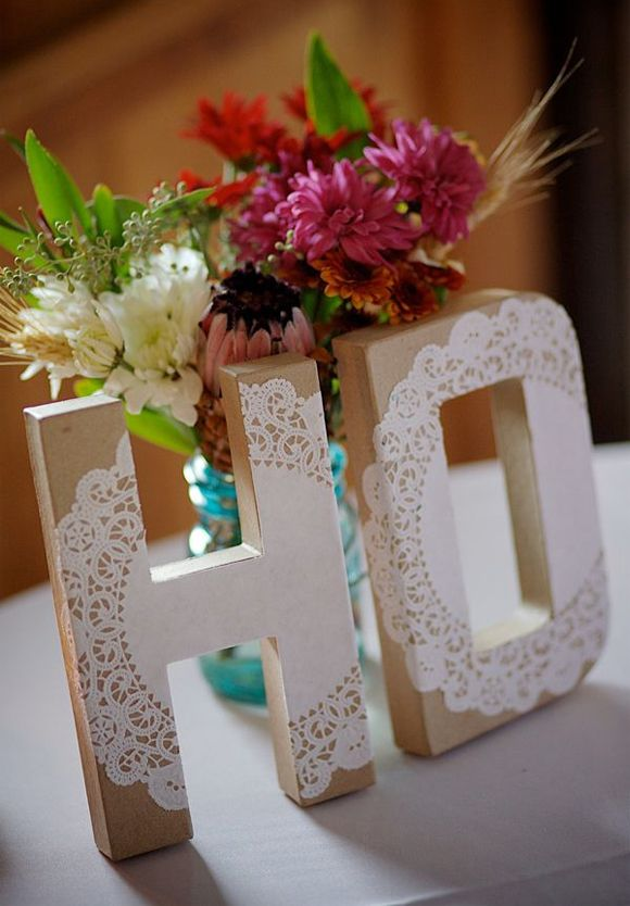 Ideas DIY para hacer con blondas. DIY letras carton con blondas